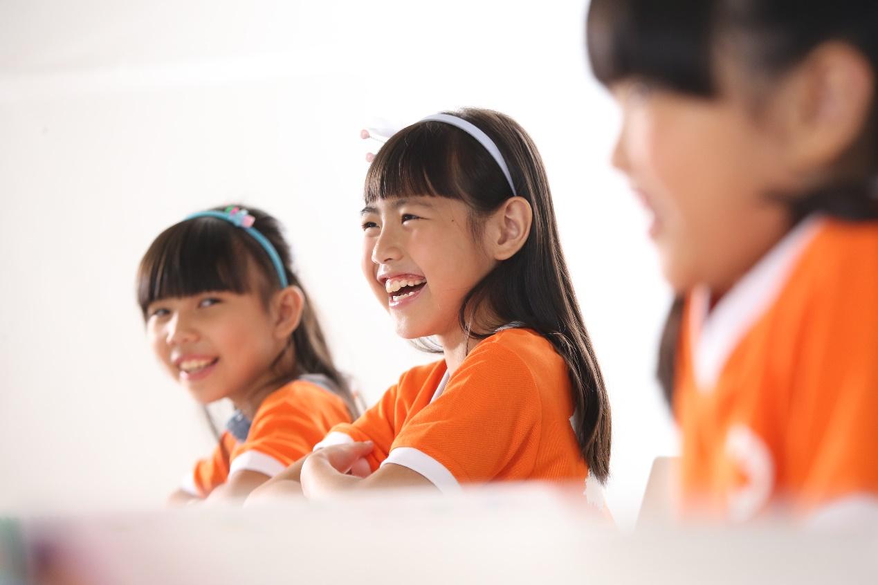 长颈鹿英语高端教育为孩子播种英语的种子,静待花开